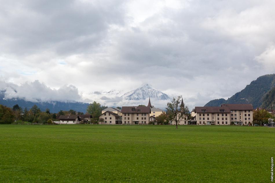 Интералкен (Interlaken). Направляемся в сторону Гриндельвальд (Grindelwald)