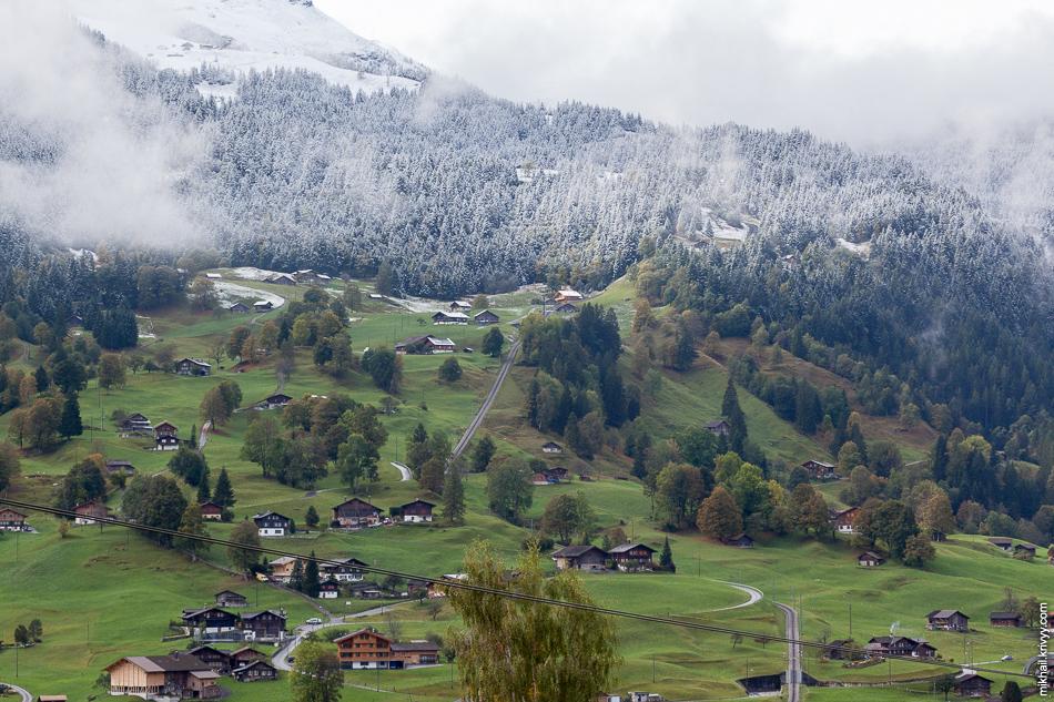 """Зубчатая железная """"Венгернальп"""" (Wengernalpbahn). Гриндельвальд (Grindelwald)."""