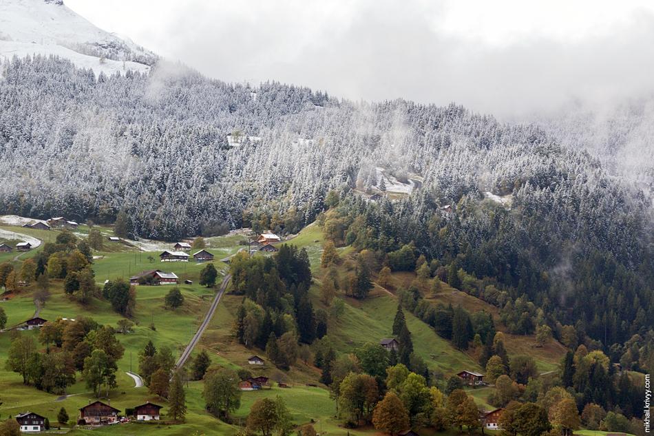 Гриндельвальд (Grindelwald), вид в сторону перевала Клайне-Шайдег (Kleine Scheidegg, 2061 м)