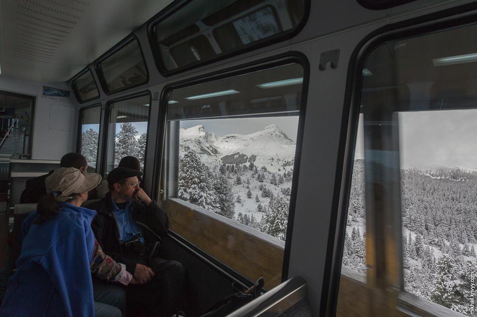 Противолавинная галерея. Вид из окна поезда Гриндельвальд (Grindelwald) - Клайне-Шайдег (Kleine Scheidegg).