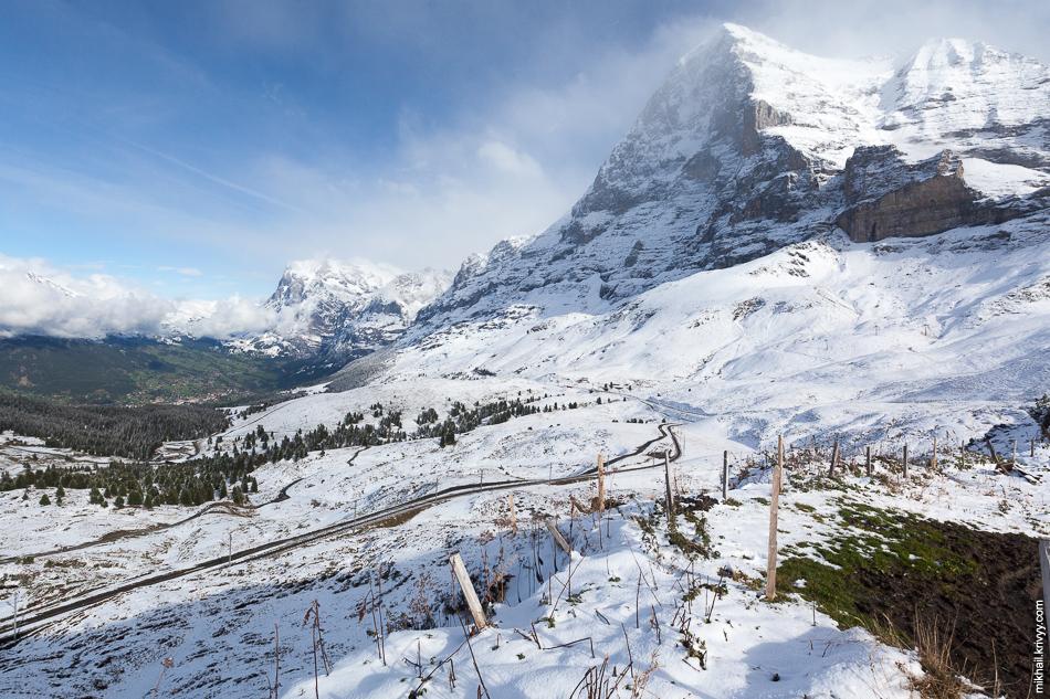 Гора Эйгер (Eiger, 3970 метров). Вид от Клайне-Шайдег (Kleine Scheidegg).