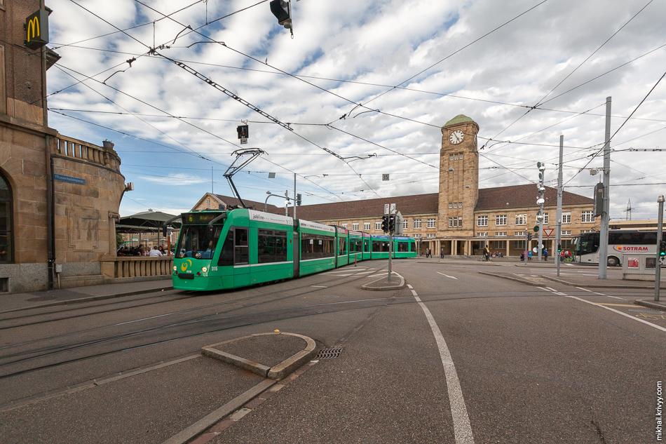 Вокзал Базель-Бадишер (Basel Badischer Bahnhof). Место нашей пересадки.