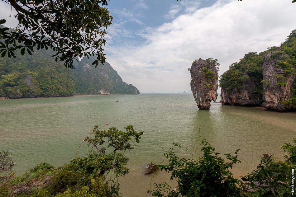Главная туристическая достопримечательность залива Пханг Нга - остров Ко Тапу (Ko Tapu, เกาะตะปู)
