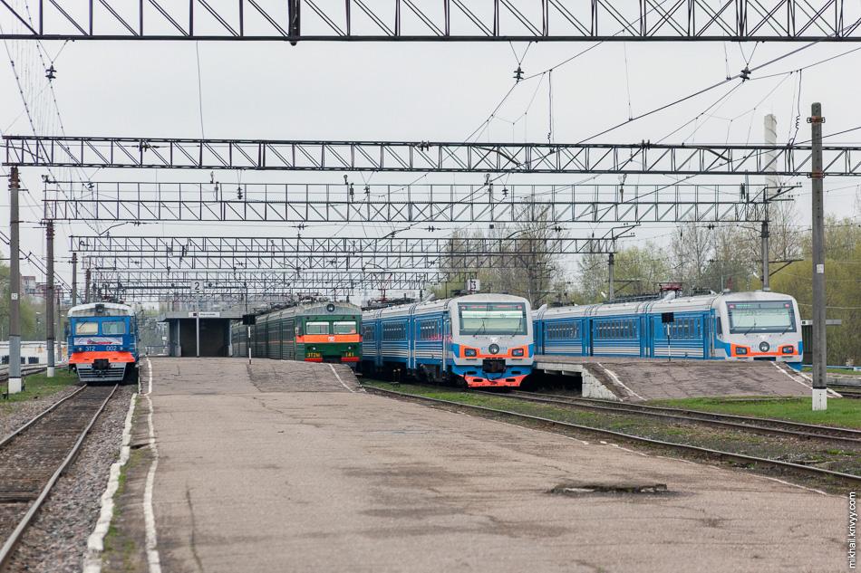 Летом 2011 года начало казаться, что не все так плохо. На вокзале одновременно можно было увидеть до пяти поездов.
