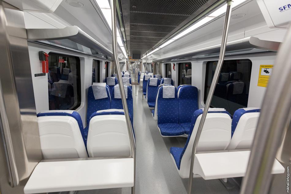 Салон поезда Serie 81 de SFM.