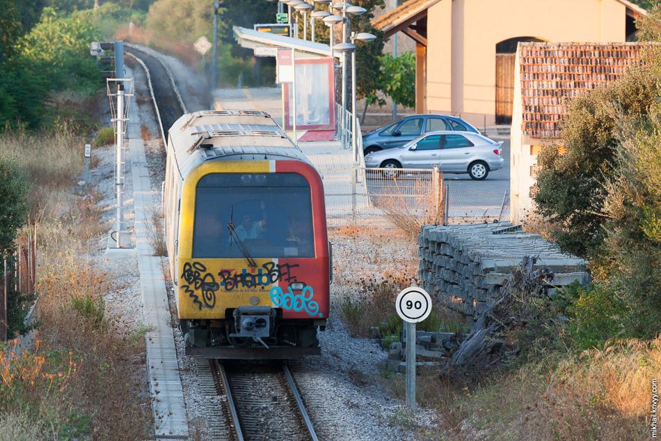 Дизель-поезд Serie 61 de SFM 61-31/61-32. Станция Muro (Муро).