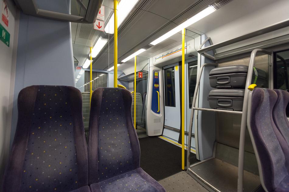 Салон поезда Siemens Desiro UK. Airport rail link. Бангкок.