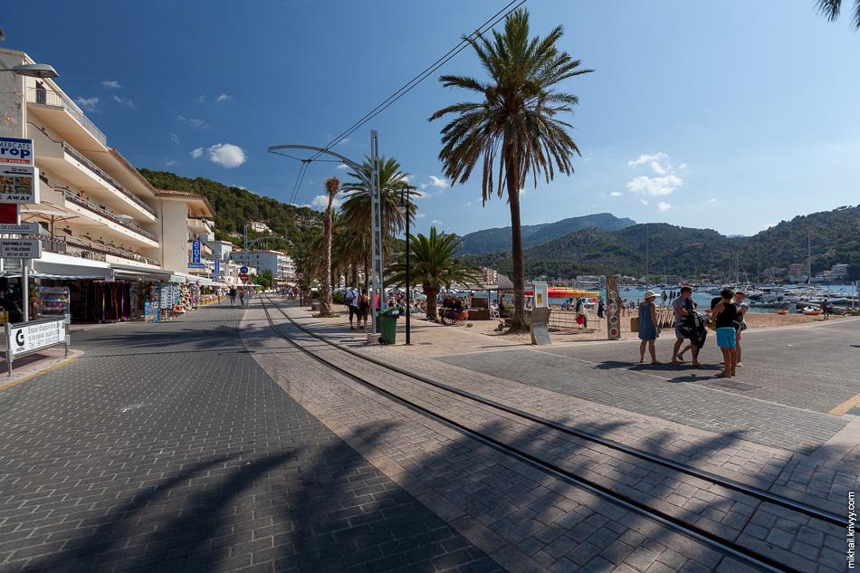 Порт-де-Сольер (Port de Sóller). Пешеходная зона.