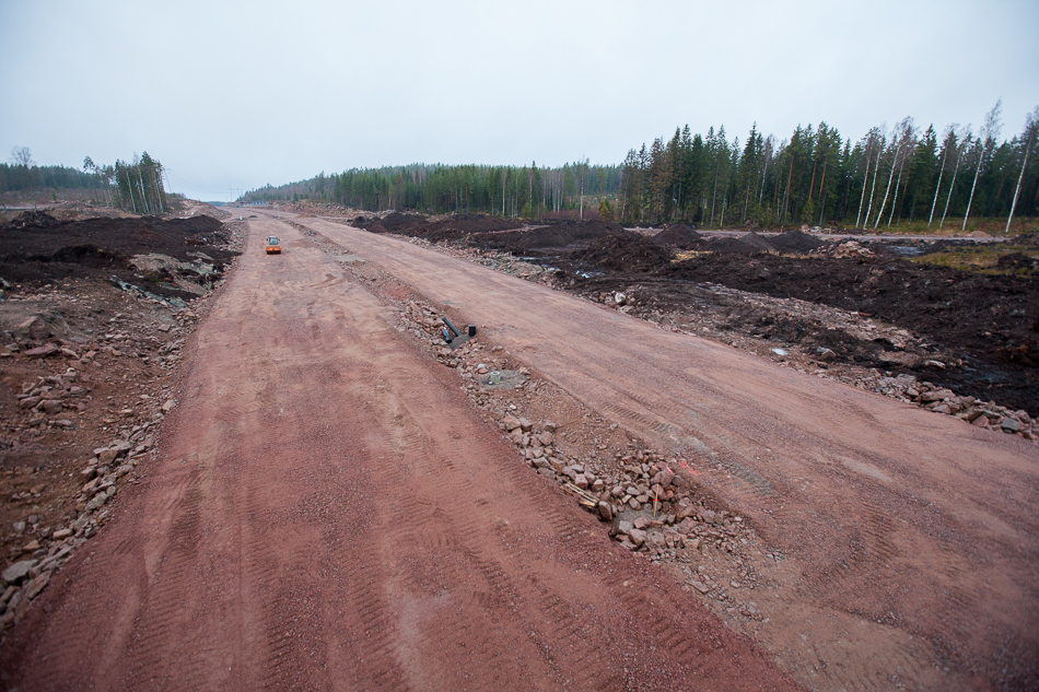 Вид в сторону Хельсинки от порталов тоннелей с западной стороны.