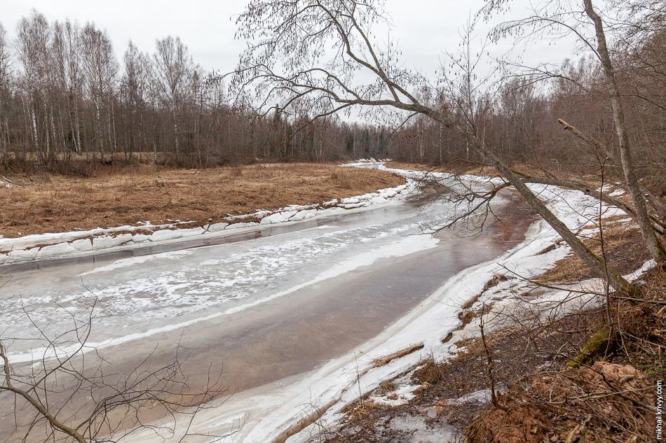 Река Вишера в районе будущего моста платной автомагистрали Москва - Санкт-Петербург.