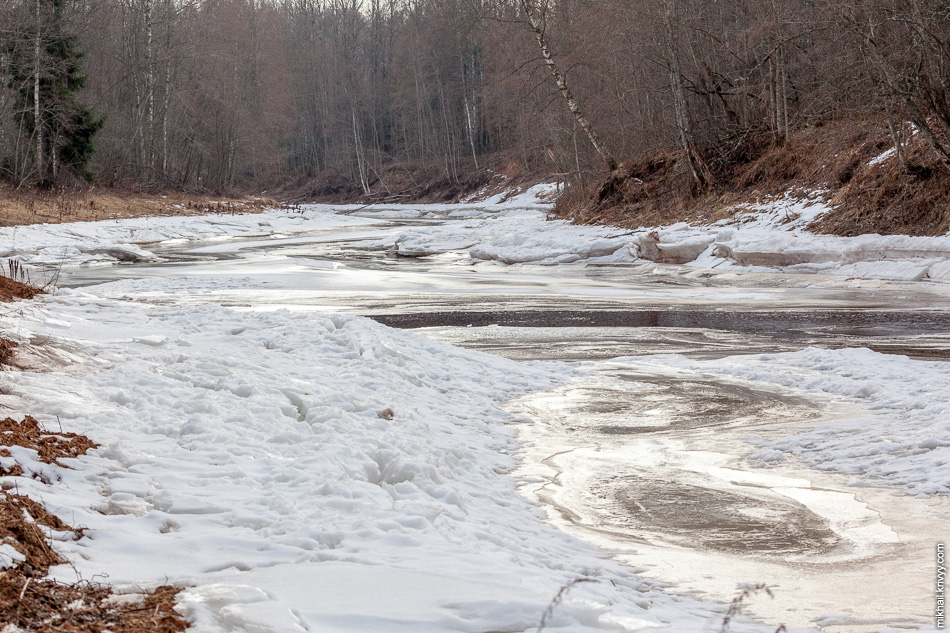 Река Вишера. В прошлом году, в это время, я по пояс проварился в снег.