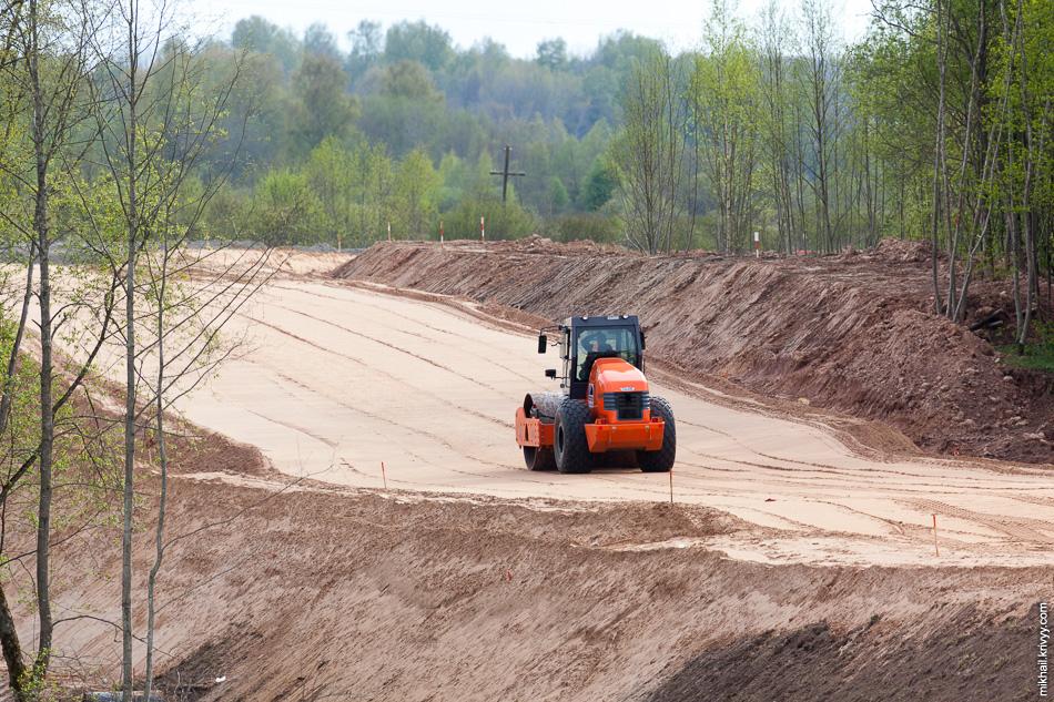 Удивительное количество песка уходит на временные сооружения.
