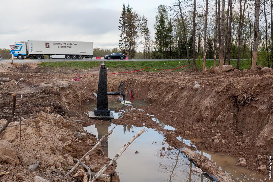"""18. С южной стороны обхода газопровода горизонтальное бурение по трассой М10 """"Россия"""" уже закончено."""