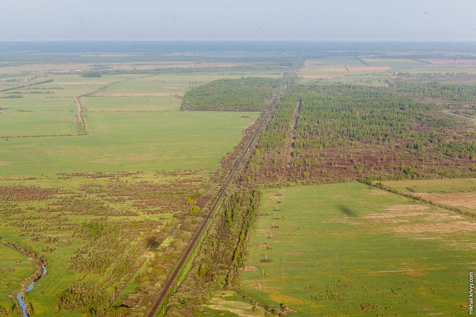 Железная дорога Старая Русса - Дно. Именно в этот момент мы поднялись на максимальную высоту в 270 метров и разогнались до скорости 40 км/ч.
