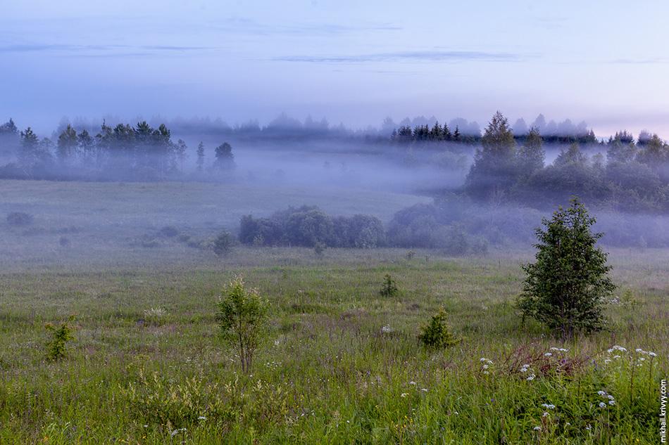 Туман в районе деревни Мстинский Мост.