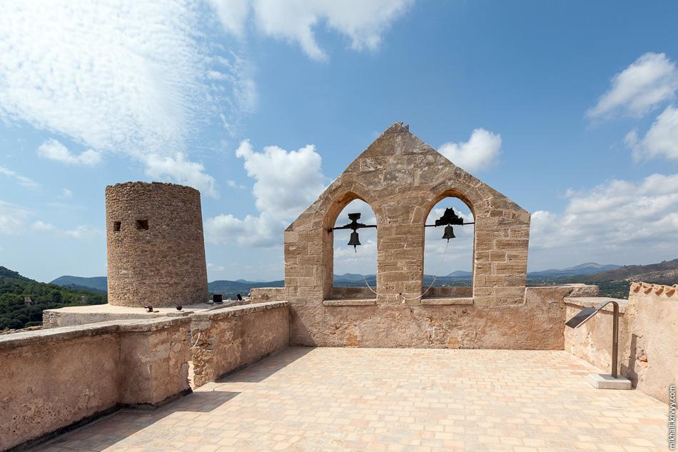 Плоская крыша церкви Виргин де ла Эсперанца. Бывшая дозорная и артиллерийская площадка.