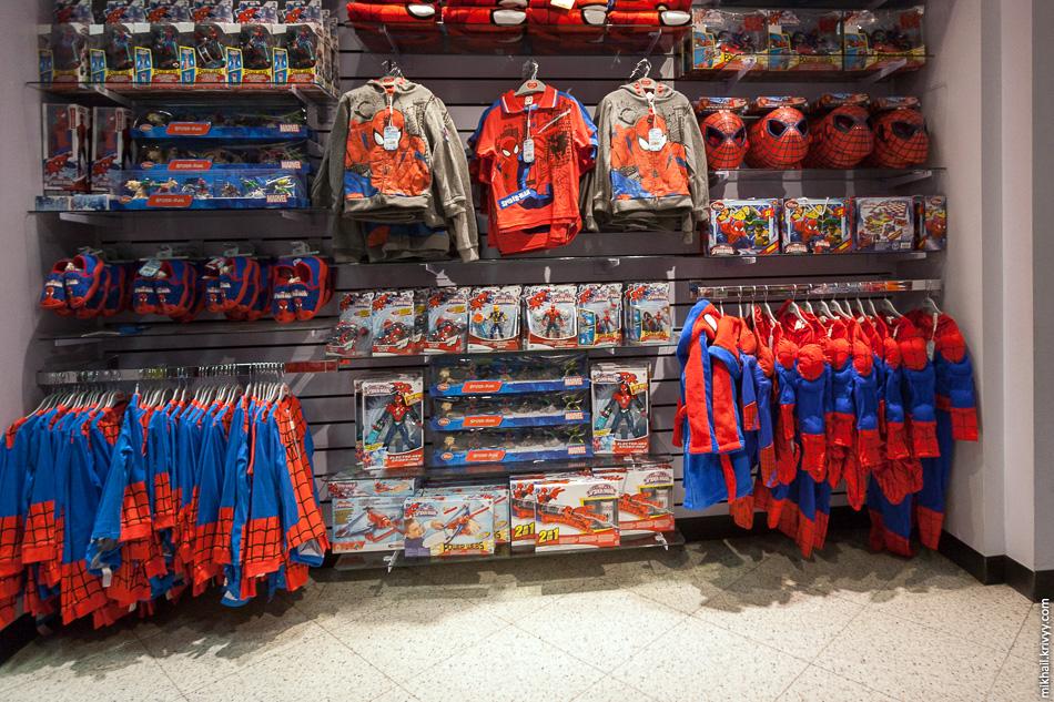 Магазин для юных спайдерменов.