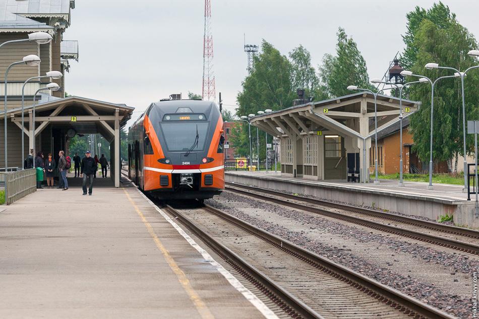 Дизель-поезд Stadler Flirt 2404 в Тарту. Эстония стала первой страной где внедрялись дизель-поезда Stadler Flirt.