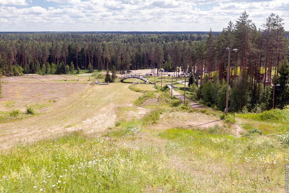 Главный спуск центра лыжного спорта и отдыха Valgehobuse. Зимой этот центр больше специализируется на беговых лыжах.
