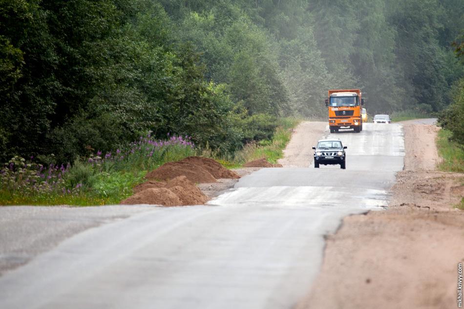 Дорога Крестцы - Окуловка в районе городка строителей.