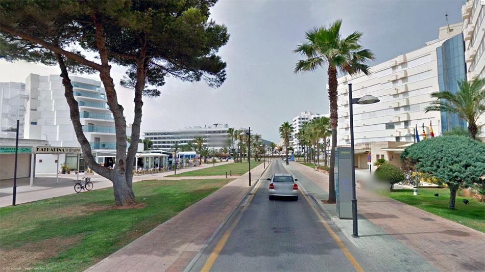 Калла Милор. С тем же успехом можно поехать и в Египет. (c) Google StreetView.