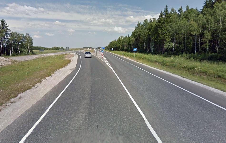 """А вот так это выглядело три года назад. Районе Aruvalla. Раньше """"автомагистраль"""" начиналась с этого места."""