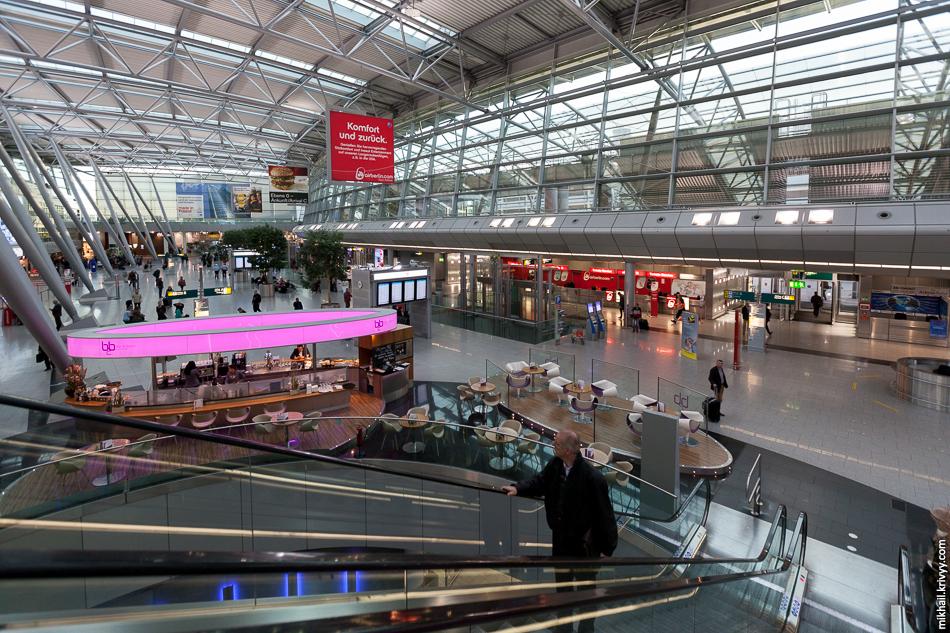 Стойки регистрации в аэропорту Дюссельдорфа.
