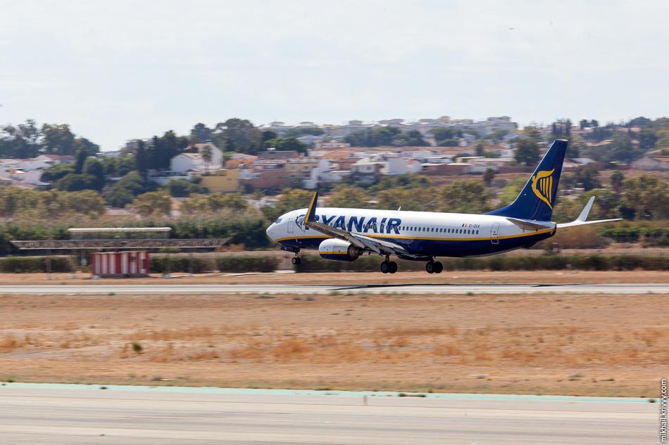 EI-DCK. Boeing 737 авиакомпании Ryanair. Тут один из их хабов.