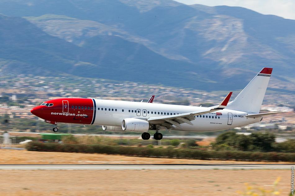 LN-NGX. Boeing 737 авиакомпании Norwegian. Совсем новенький, намомент съемки ему было три месяца.