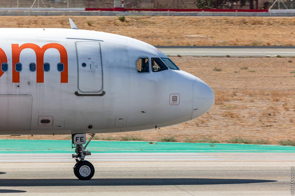 G-EZFE. Airbus A319 авиакомпании easyJet. Все борта достаточно однообразные. Airbus A319/A320 или Boeing 737.