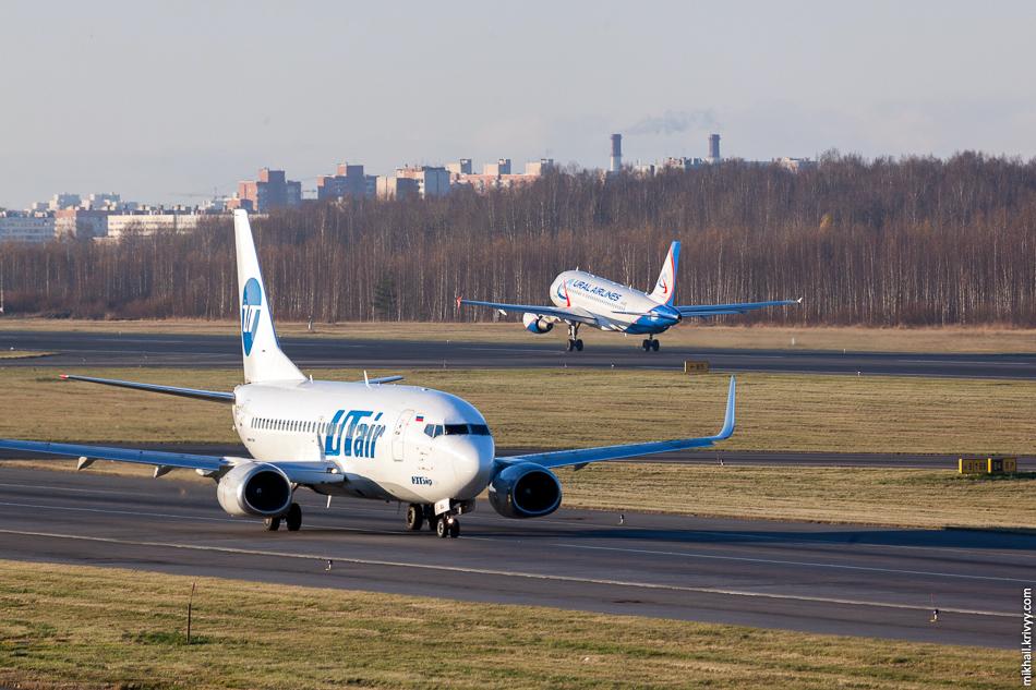 VP-BTE Airbus A319 Уральских авиалиний и VQ-BJL Boeing 737 авиакомпании UTair.