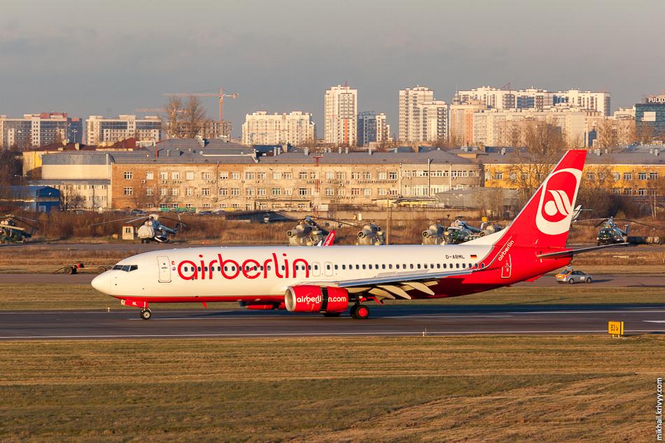 AirBerlin, куда же без него. В Пальме у них один из базовых аэропортов, тогда они мне порядком надоели. D-ABML, Boeing 737, AirBerlin.