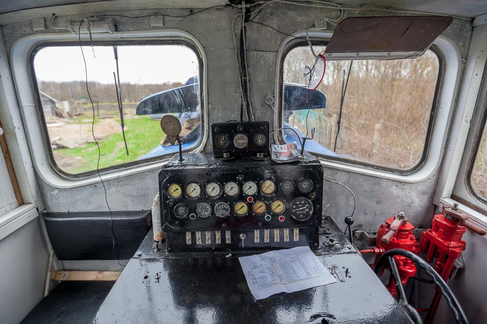 Состояние двигателя и трансмиссии было не таким ужасным как внешний вид. Во многом благодаря этому тепловоз был восстановлен в относительно короткий срок.
