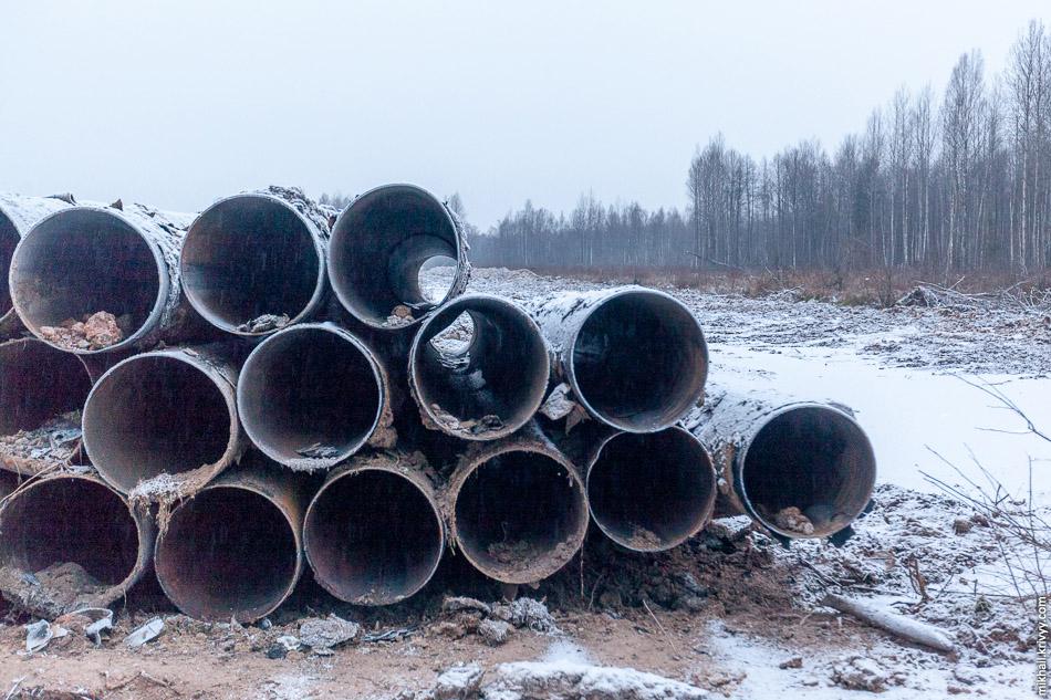 Старые трубы достали из под земли. От них до сих пор пахнет газом. Я всегда думал что одорант добавляют в последнюю очередь.