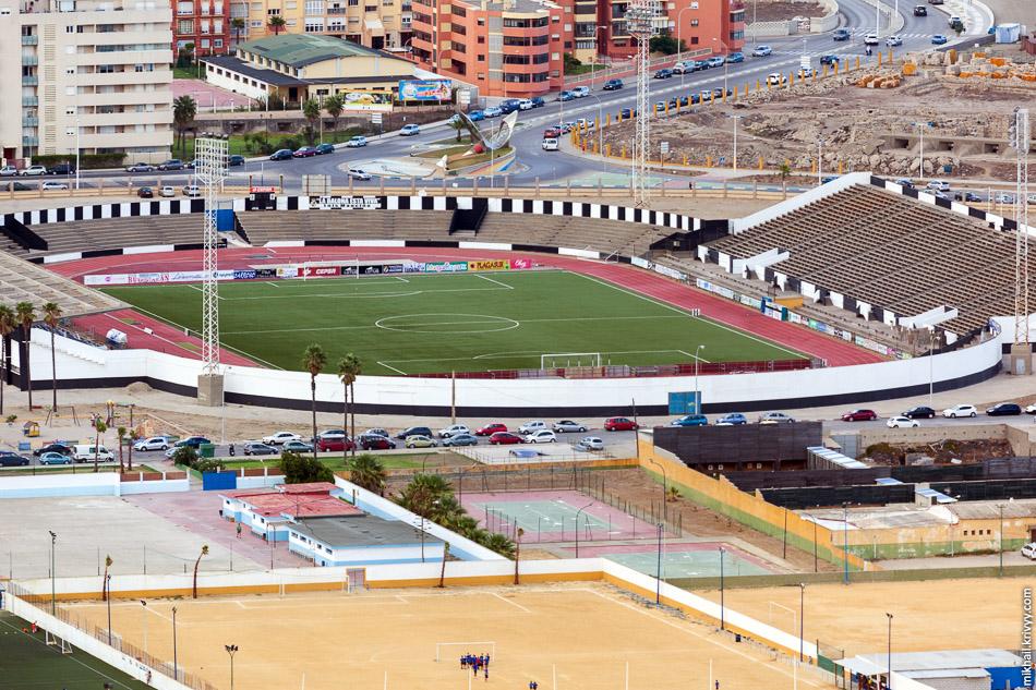 Чуть дальше уже Испанский футбол.