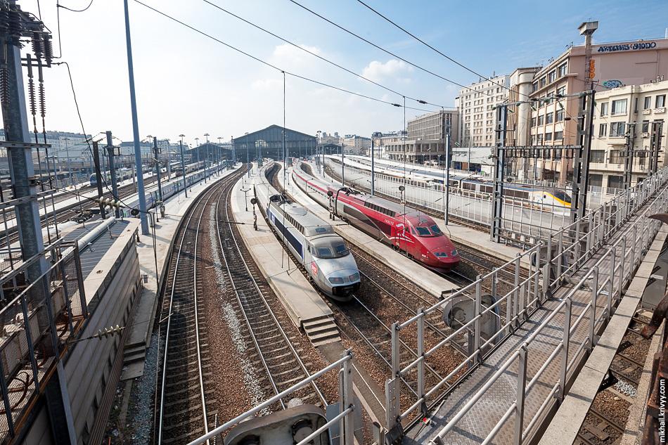 Подъездные пути Северного вокзала. Поезда TGV, Thalys и Eurostar. Вид с бульвара де-ла-Шапель.