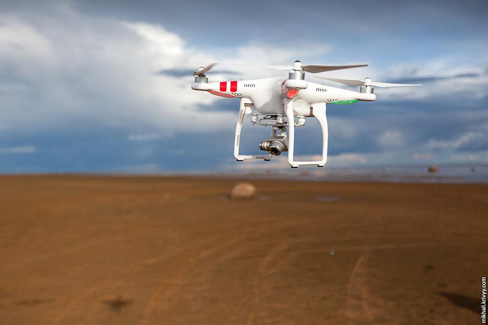 Квадрокоптер на пляже быстросъемные лопасти spark fly more combo самостоятельно
