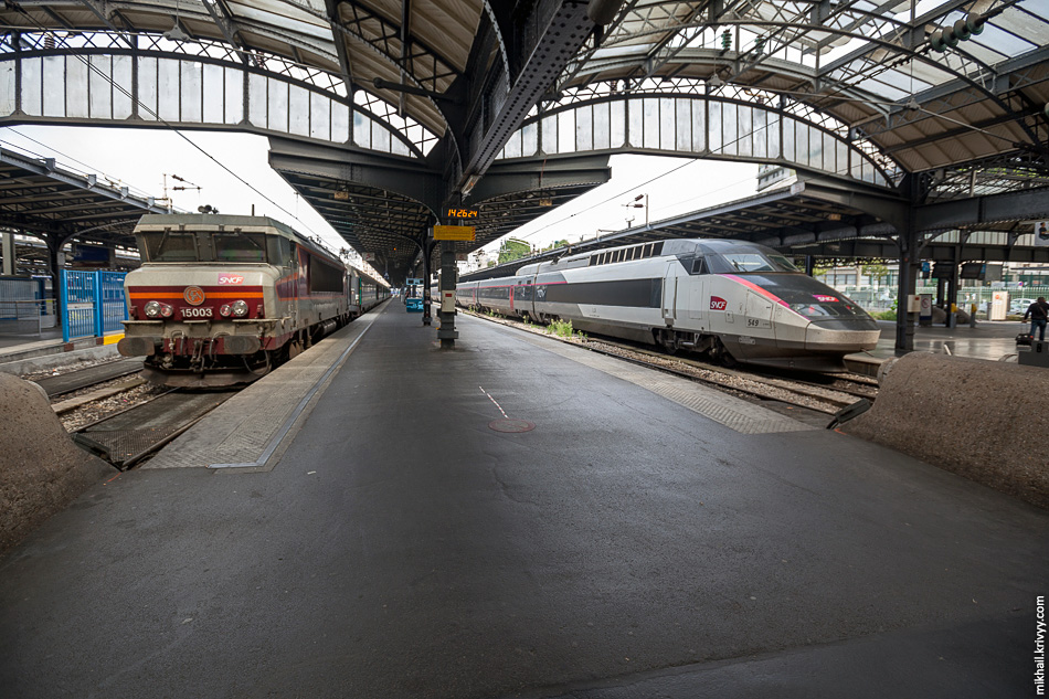 """Сегодня вокзал имеет 30 платформ и обслуживает 93 тыс. пассажиров в сутки. Это 153 """"Сапсана"""" в сутки (отправление каждые 23 минуты круглосуточно)."""