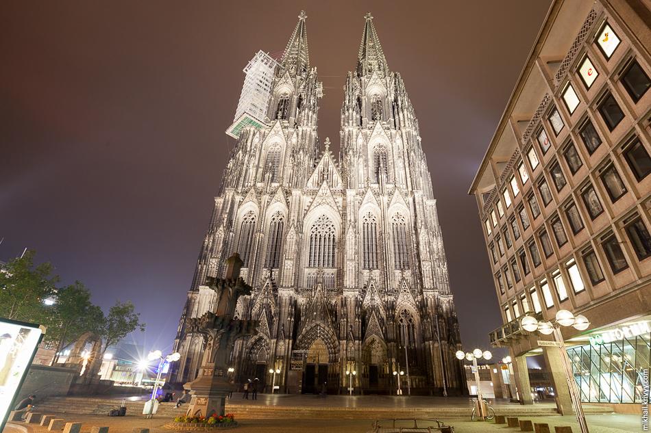 Кёльнский Собор занимает третье место в списке самых высоких церквей мира и внесён в список объектов Всемирного культурного наследия.