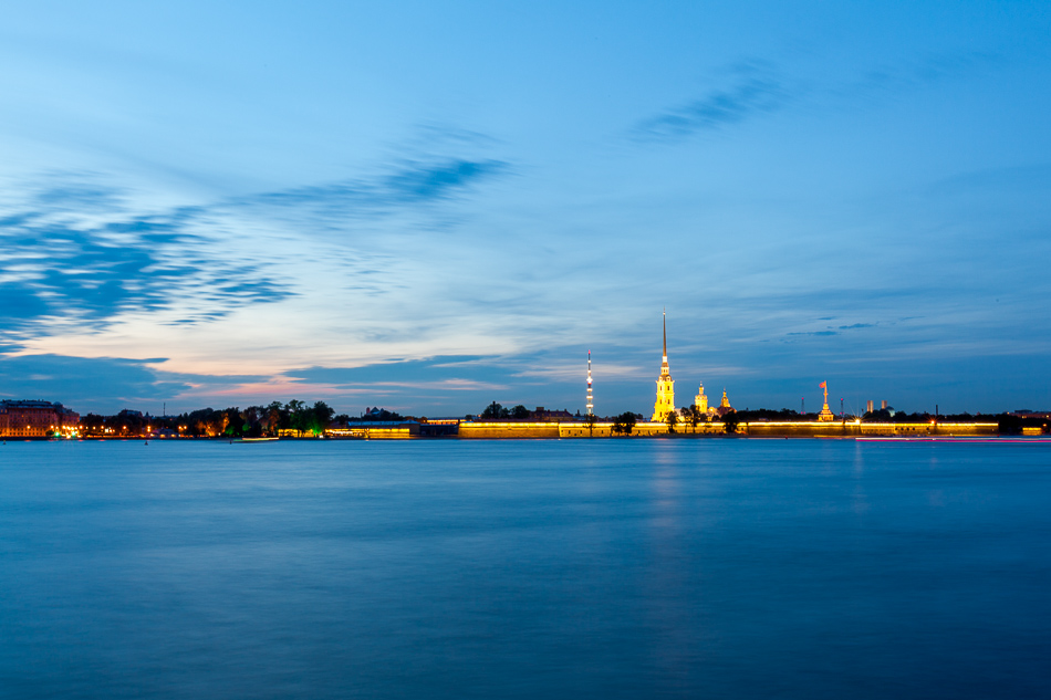Заячий остров и Петропавловская крепость.