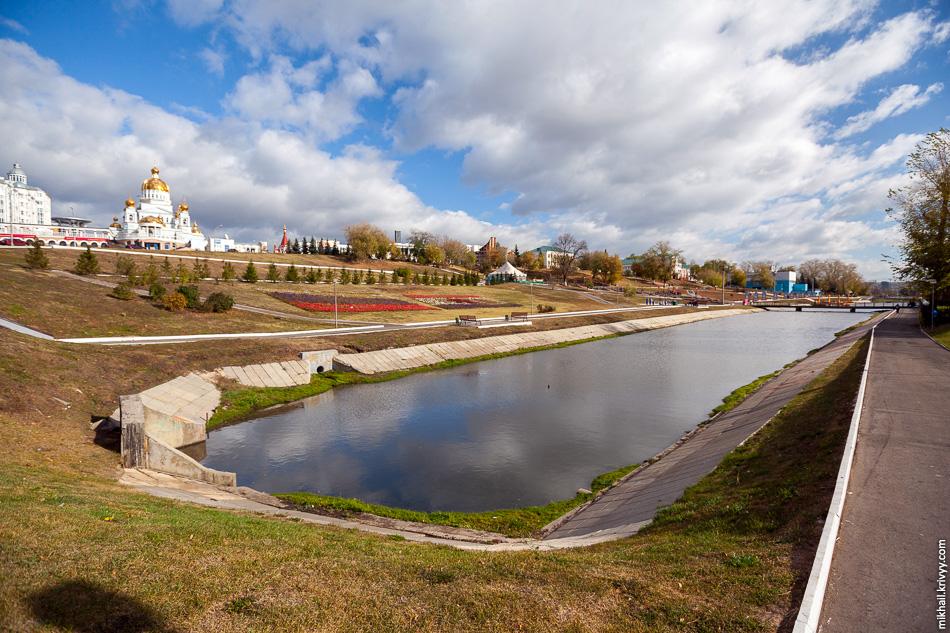 Река Саранка и Сквер Славы.