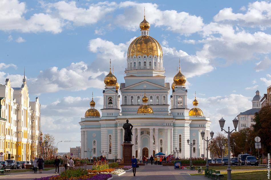 Достопримечательность №1: Кафедральный собор святого праведного воина Феодора Ушакова