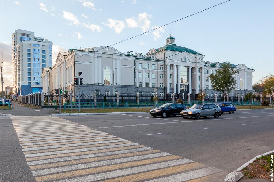 Здания управления ФСБ России по Республике Мордовия.
