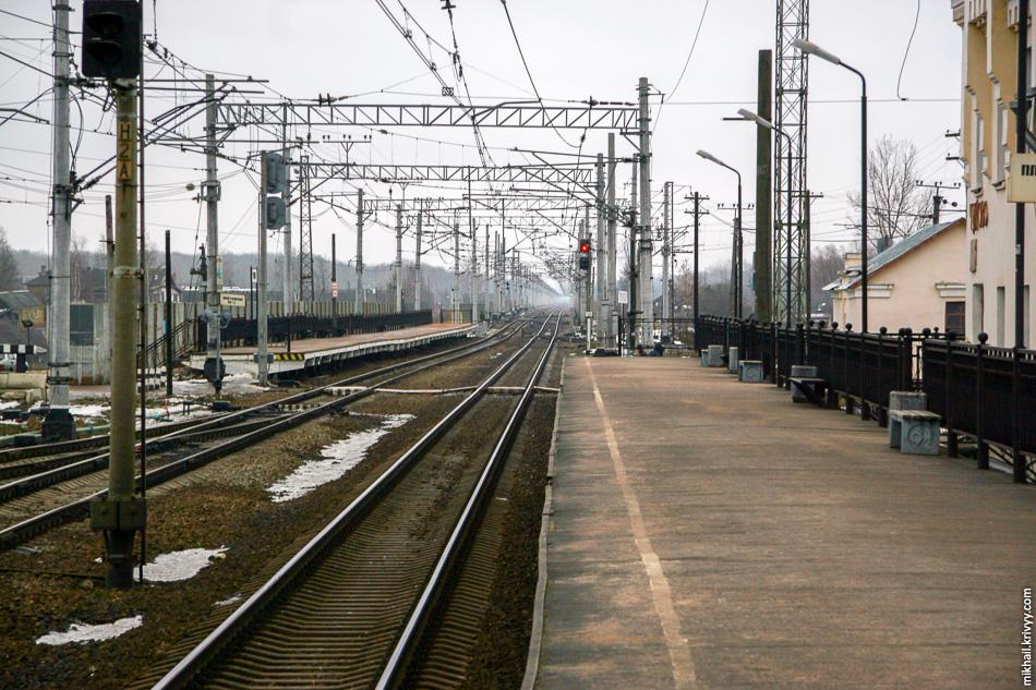 2007 год. Вид с платформы №1 в сторону Москвы.