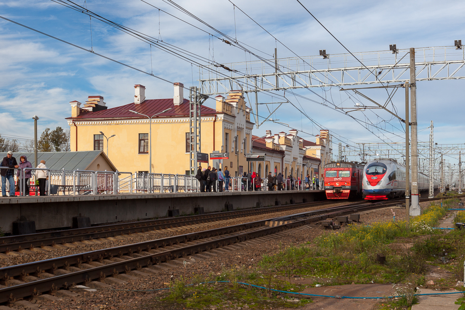 Железнодорожный вокзал в Чудово.