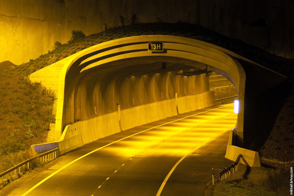 """На новом участке построено три тоннеля. Два на обходе Хамины и один у ГЭС """"Ловииса""""."""