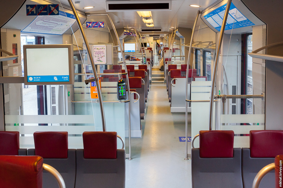 Салон поезда JKOY Sm5-02.