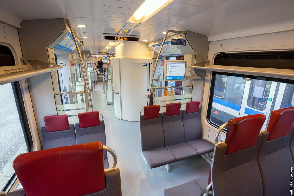 В поезде есть туалет. Надо сказать, по финским меркам, достаточно грязный.