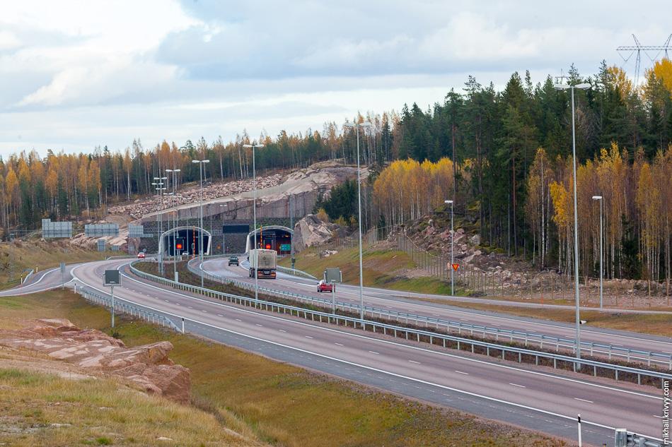 Западный портал тоннеля Маркинамяки (Markkinamäki). Автомагистраль E18 на участке от Koskenkylä до Хамины (Hamina).