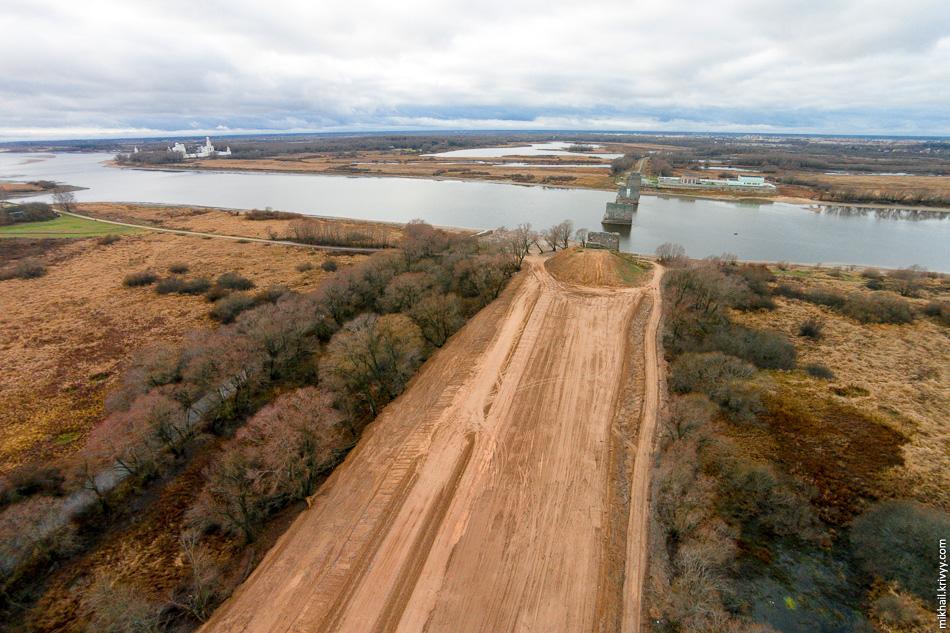 В прошлом году песок насыпи воровали в катастрофических масштабах.